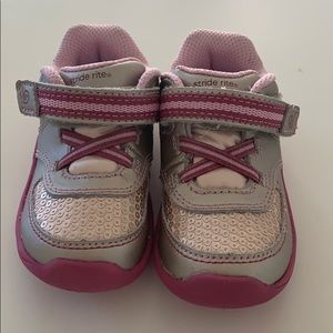 NEW Stride Rite Kelsey Size 5.5M